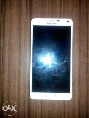 Samsung galaxy note 4 in very good condition With stand