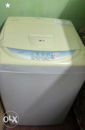 LG fully automatic 6kg washing machine