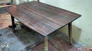 Dinning table good condition