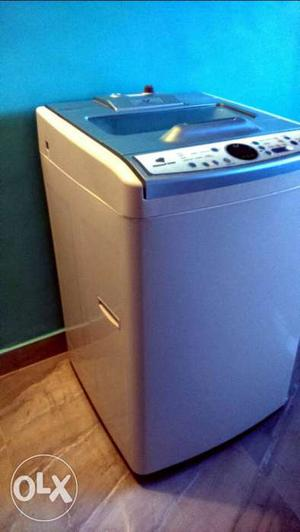 Fully automatic top load 1year old hardly used