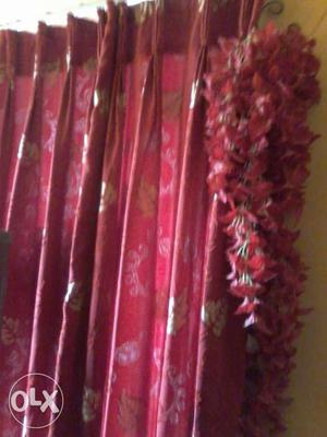 I Want To Sell 9 Pieces Of Silk, Red Curtains. 2