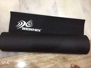 Yoga Mat, in new like condition
