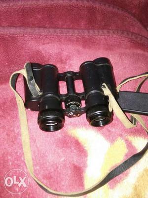Binoculars black colour 8*30 zoom very good
