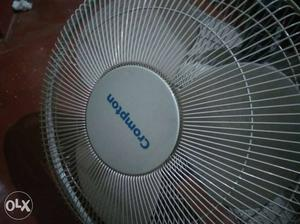 White wall mount fan used just 2 months. Shifting to ac so