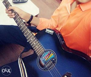 Guitar for sell, perfect for learning guitar,