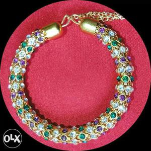 New fancy bracelet at. wholesale prices