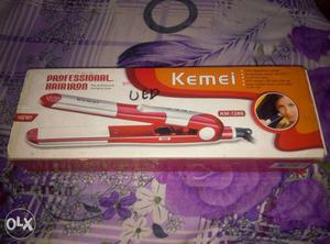 Kemei Professional KM- Straightener
