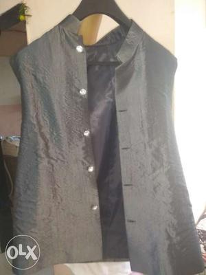 3 peice suit, grey inner, black blazer and black