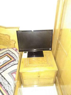 Black Lg Flat Scree Tv