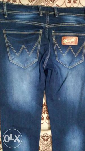 2 jeans----1-Blue jeans 32 size