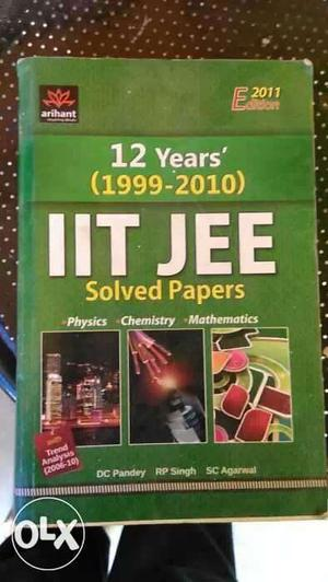 12 Years IIT JEE Solved Papers Book