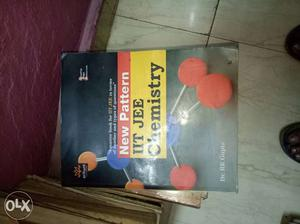 Arihant chemistry book for iit jee. containing