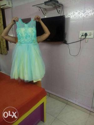 Green Illusion Neckline Sleeveless Chiffon Dress