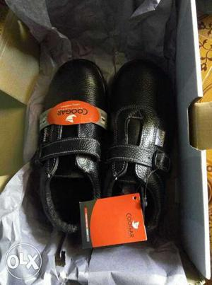 I want to sell my safety shoe.it's new with box
