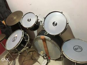Going cheap Drum kit. Great for learners. In good