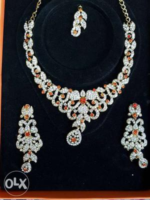 Artificial jewellery gracious necklace Condition