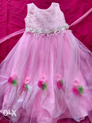 It's brand new dress for 5 to 6 years girl.