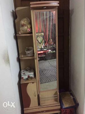 1 year old kind of unused table. selling urgent