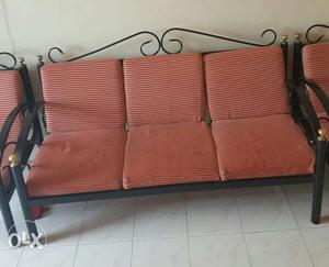 I want to sell my metal sofa set excellent