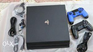 PlayStation 4 Pro 1TB + extra controller just