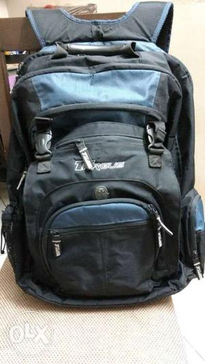 Targus backpack that fits upto 17 inch laptop.