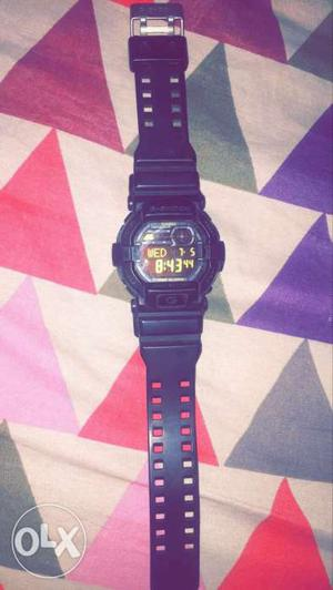 1 and half year old G shock watch. its in great