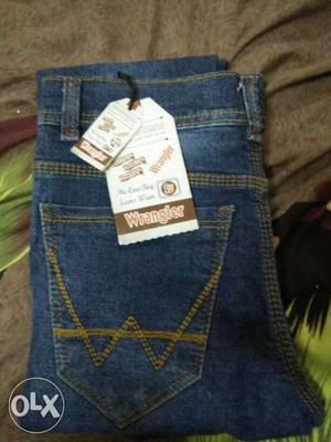 New jeans size -28 reason for resale:i got