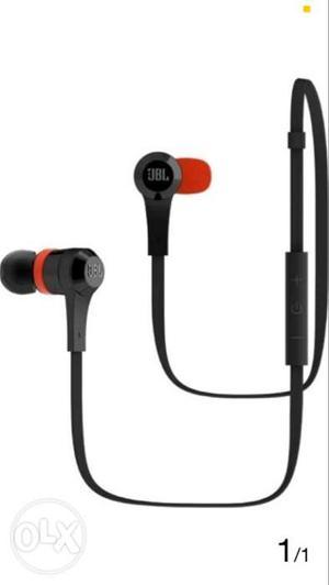 JBL J46BT Wireless Bluetooth earphones hardly