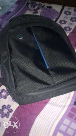 Hp laptop / school bag brand new 2 days old plz