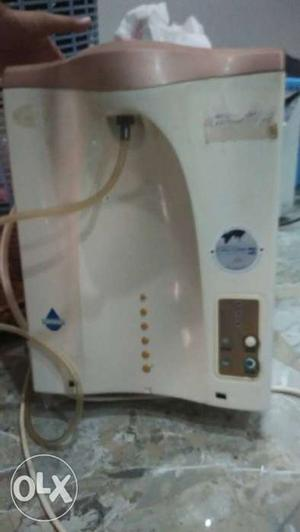 Eureka Forbes water purifier in good working