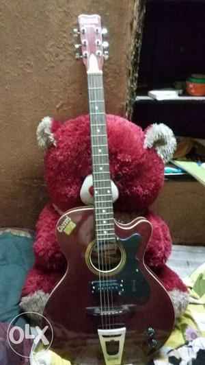 Givson Semi electronic guitor only 1yr old no