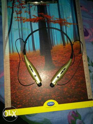 LG bluetooth headset with mic and dual earphones
