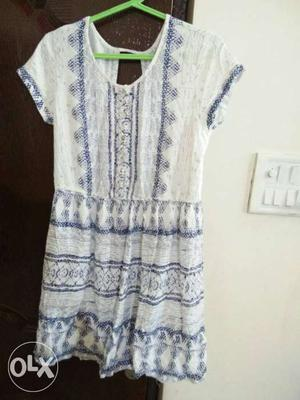 Women's White And Blue Floral Scoop Neck Mini Lee Cooper