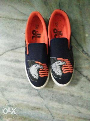 Size 8 black n orange bold eagle shoes new shoes