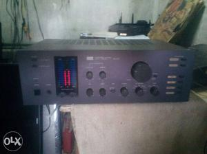 Black And Gray Audio Receiver