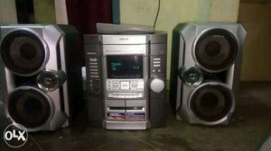 Good condition and mentioned neetly. cd player is