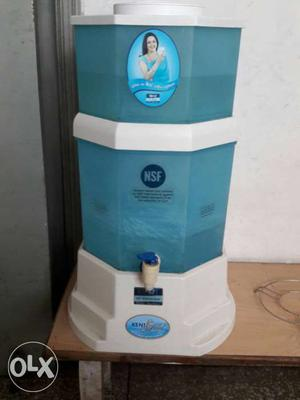 White And Teal NSF Water Purifier
