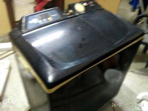 Lg semi automatic washing machine 7-8 years old