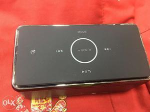 Bose be8 soundlink portable Bluetooth speaker.