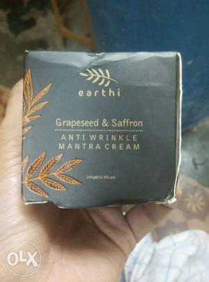 Earthi Grapeseed & Saffron Box