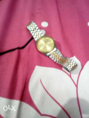 HMT Wrist Watch in very good. condition.With day&date.