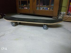 Nivia Skateboard... One month old skateboard with