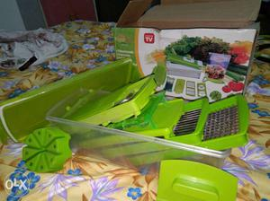 Chopper slicer dicer with all extensions.