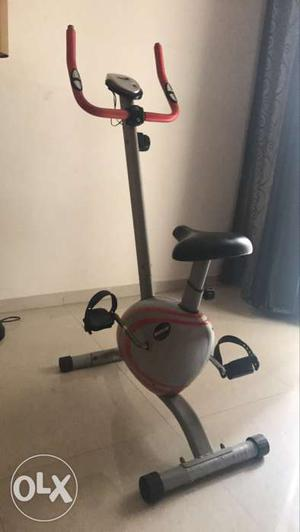 Working conditionn static gym cycle. less used..