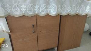 Side table for sale.Table in good condition.can