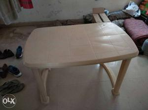 Rectangular Brown Plastic Table(CELLO),1 year old.Price
