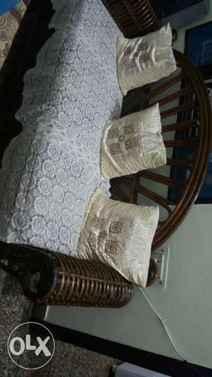 5 seater sofa with good seat material and