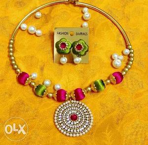Handmade necklace set. can also be made on ur