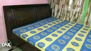 3 yrs old bed (with mattress) of very solid quality
