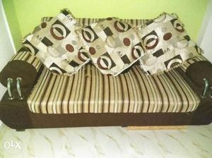 4 months used 5 Seater sofa with 5 big cousins.